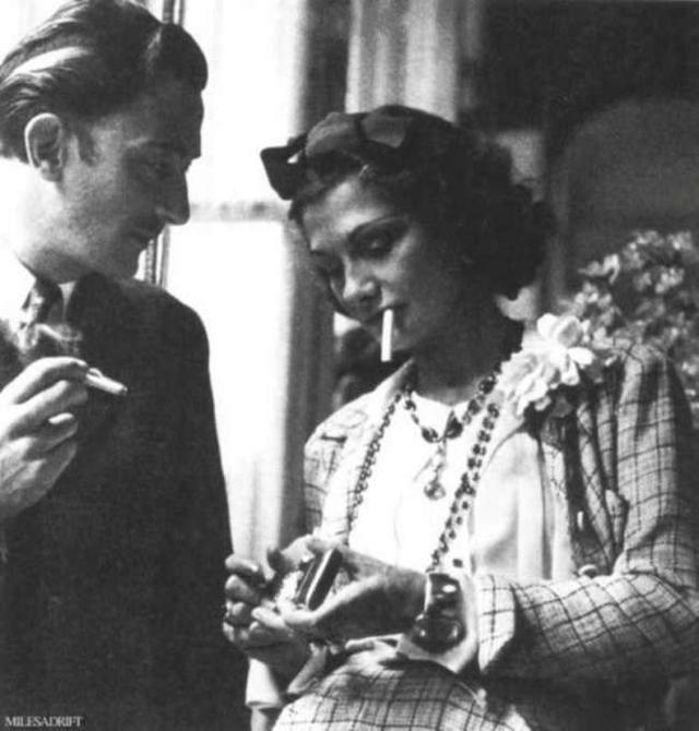 萨尔瓦多达利(Salvador Dali)跟香奈儿品牌的创始人可可香奈儿(Coco Chanel)。 ... ...