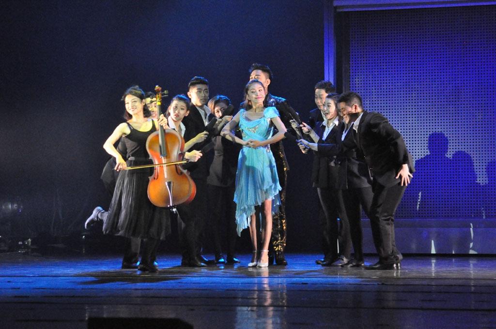 DSC_0289母亲被说成是拉提琴的.JPG