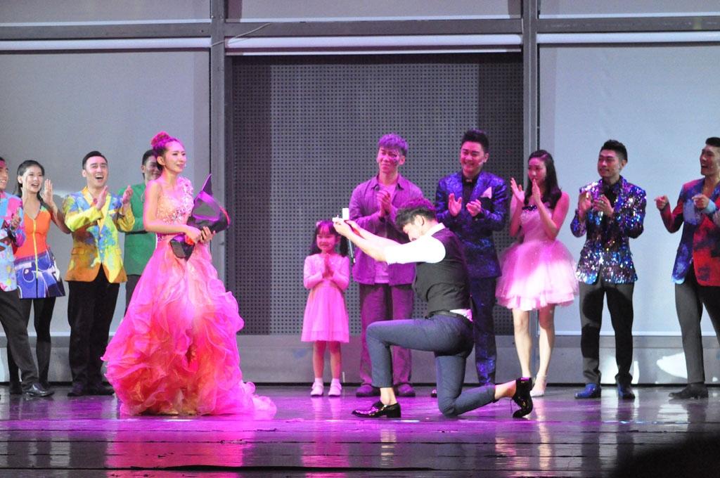 DSC_0510音乐剧结束后的现场求婚.JPG