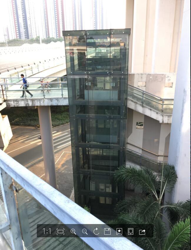 玻璃处为电梯
