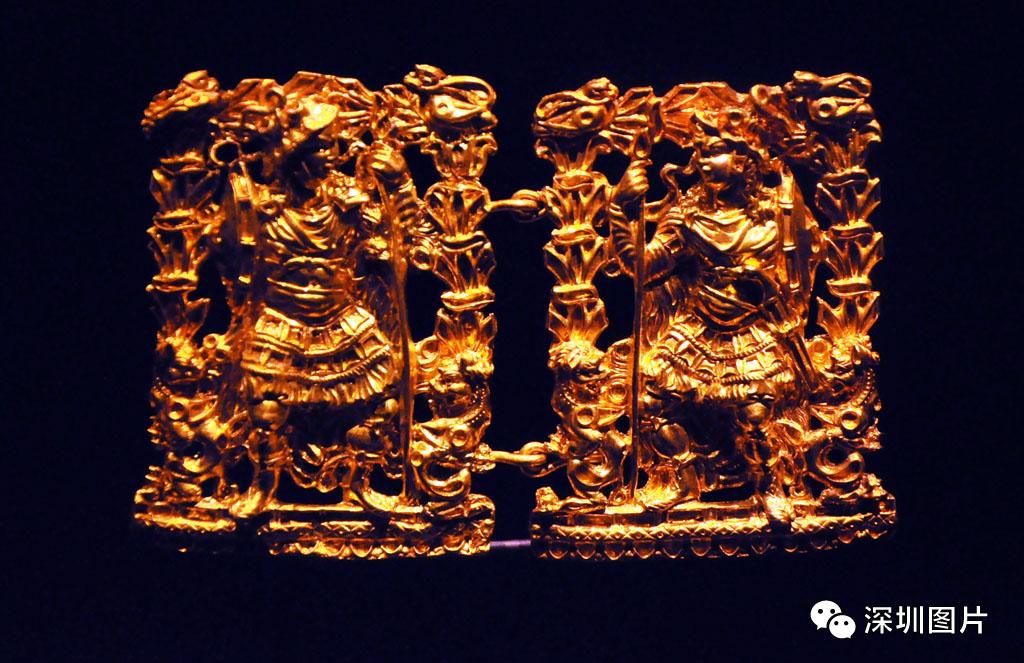 DSC_8783战士图案钩扣-年代:公元25-50年-材质:黄金.JPG