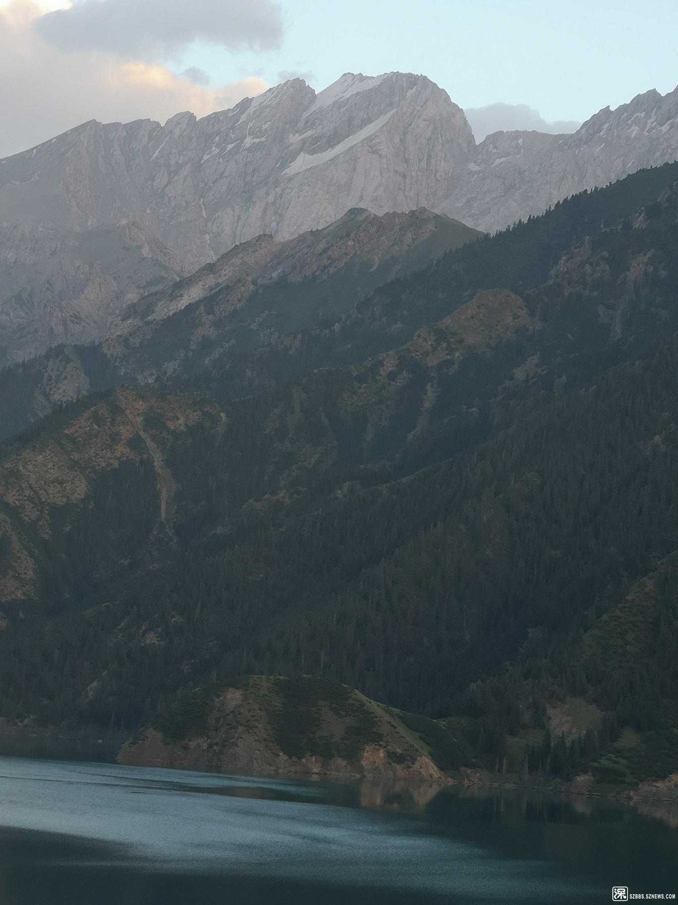 天山大峡谷10.jpg