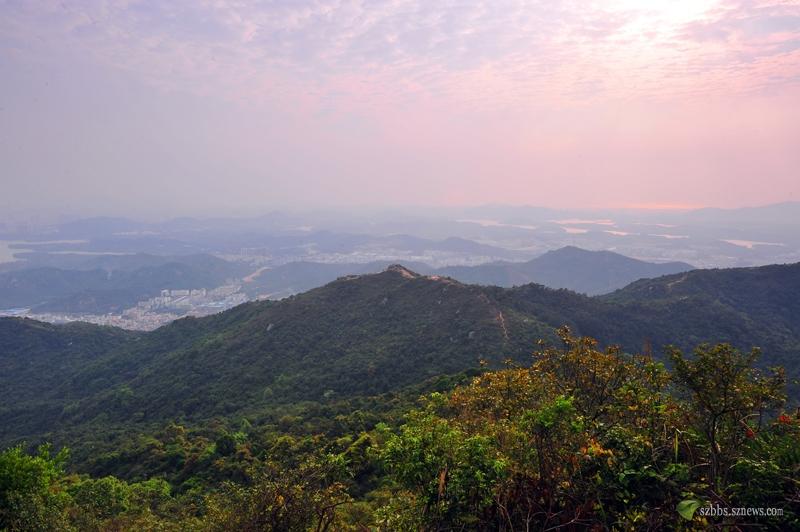 登到山顶看到的景色