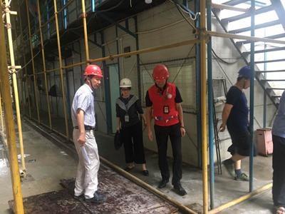 和平社区开展台风雨天气安全巡查工作.jpg