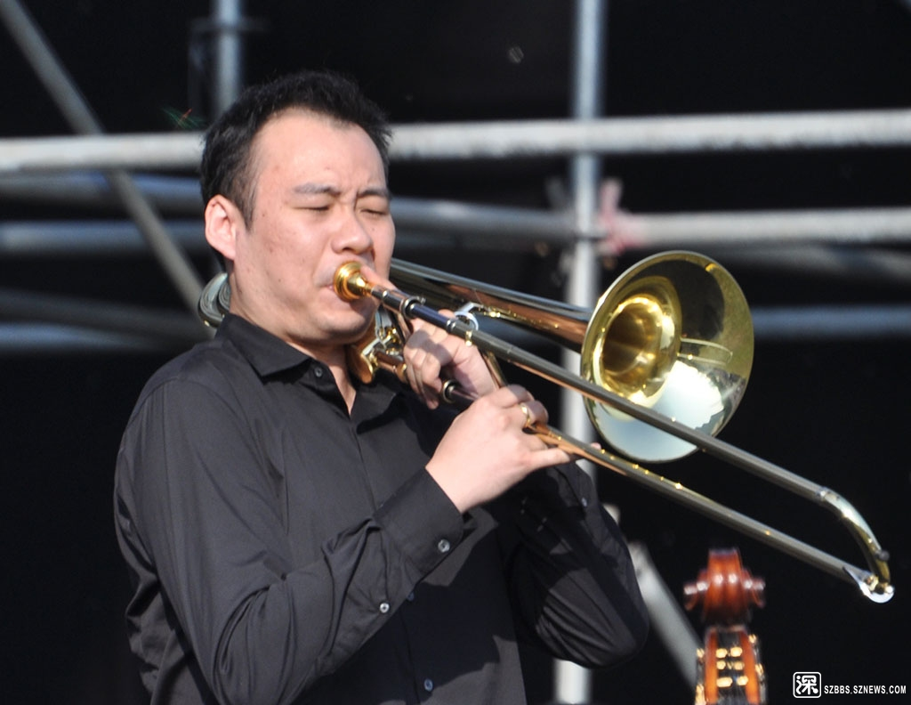 "DSC_2920长号(英文名:Trombone)又称""拉管号"",是西洋乐器中的一种。在现代乐队中.jpg"